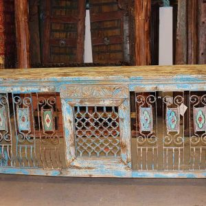 Farmhouse Designs Antique Distressed Buffet
